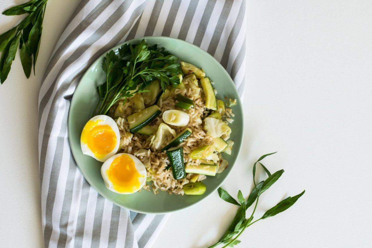 zalety jedzenia jajek