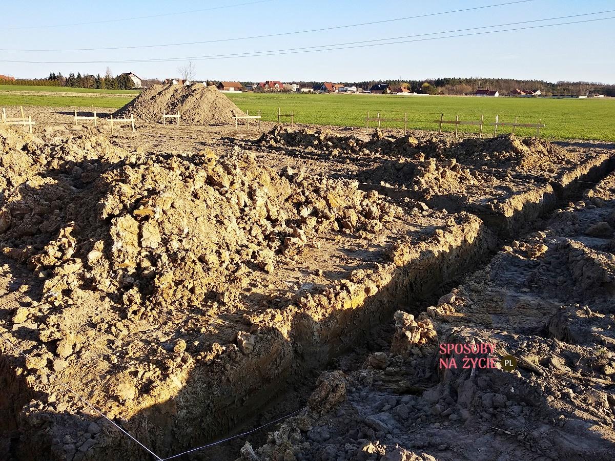 budowa domu wykop fundamentów