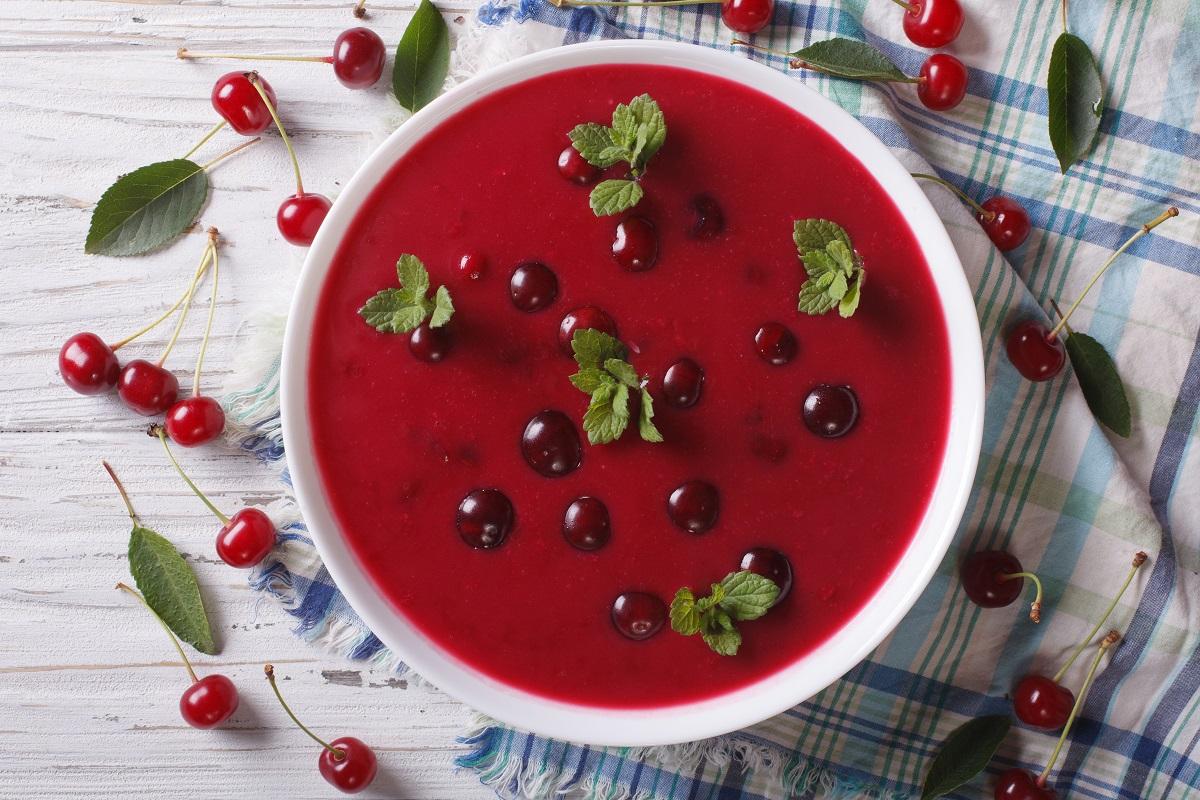 wiśniowa zupa owocowa