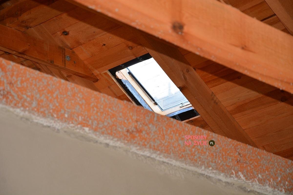 wyłaz dachowy montaż elementów dodatkowych na dachu