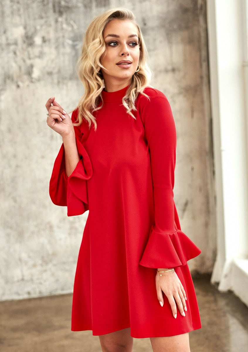 czerwona sukienka z falbanką w rękawie Mosquito