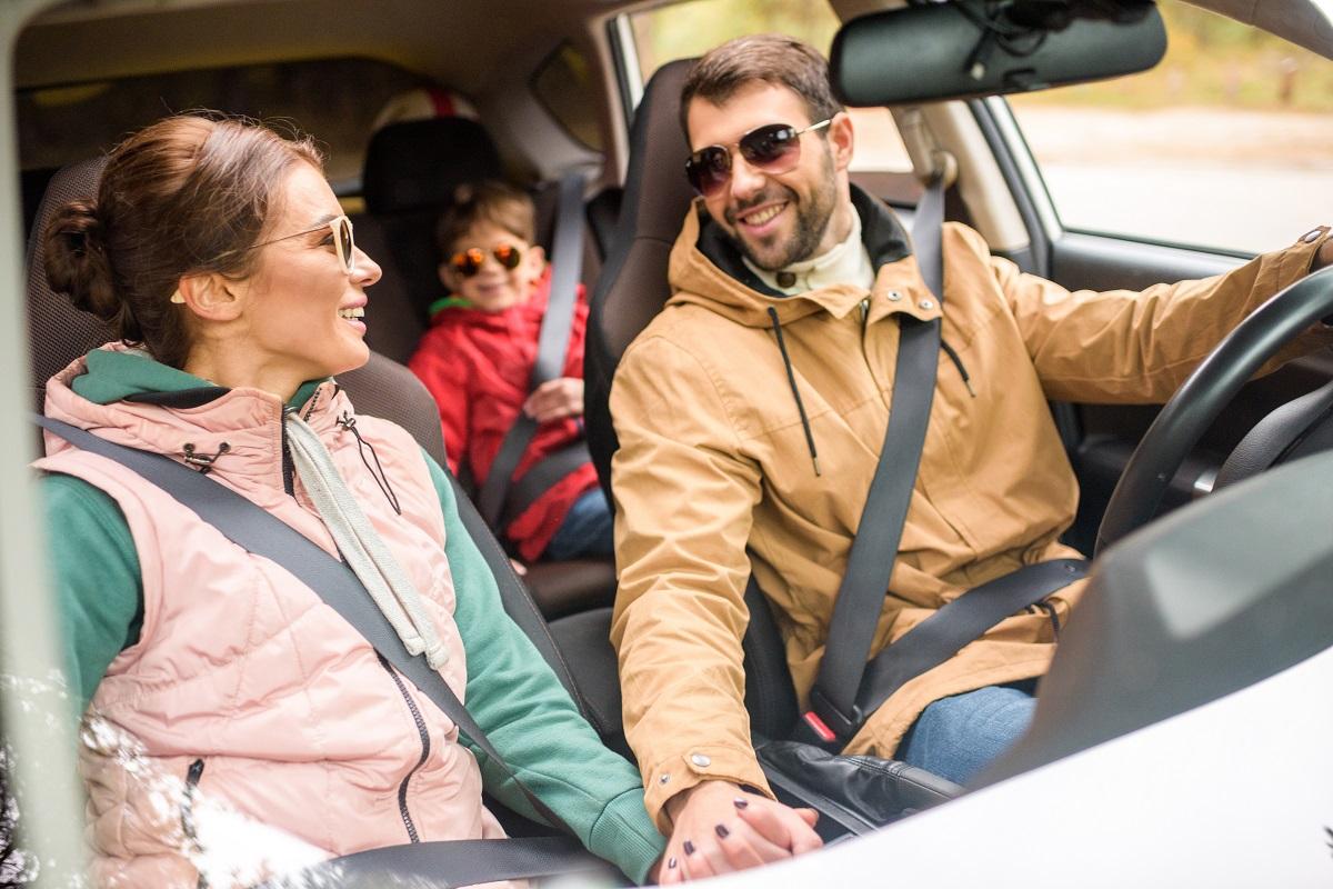 bezpieczna jazda samochodem z dzieckiem blog parentingowy sposobynazycie