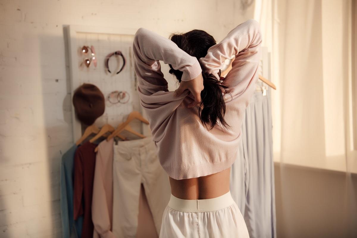 Stylowe i komfortowe ubrania domowe, czyli jak doskonale wyglądać w domu