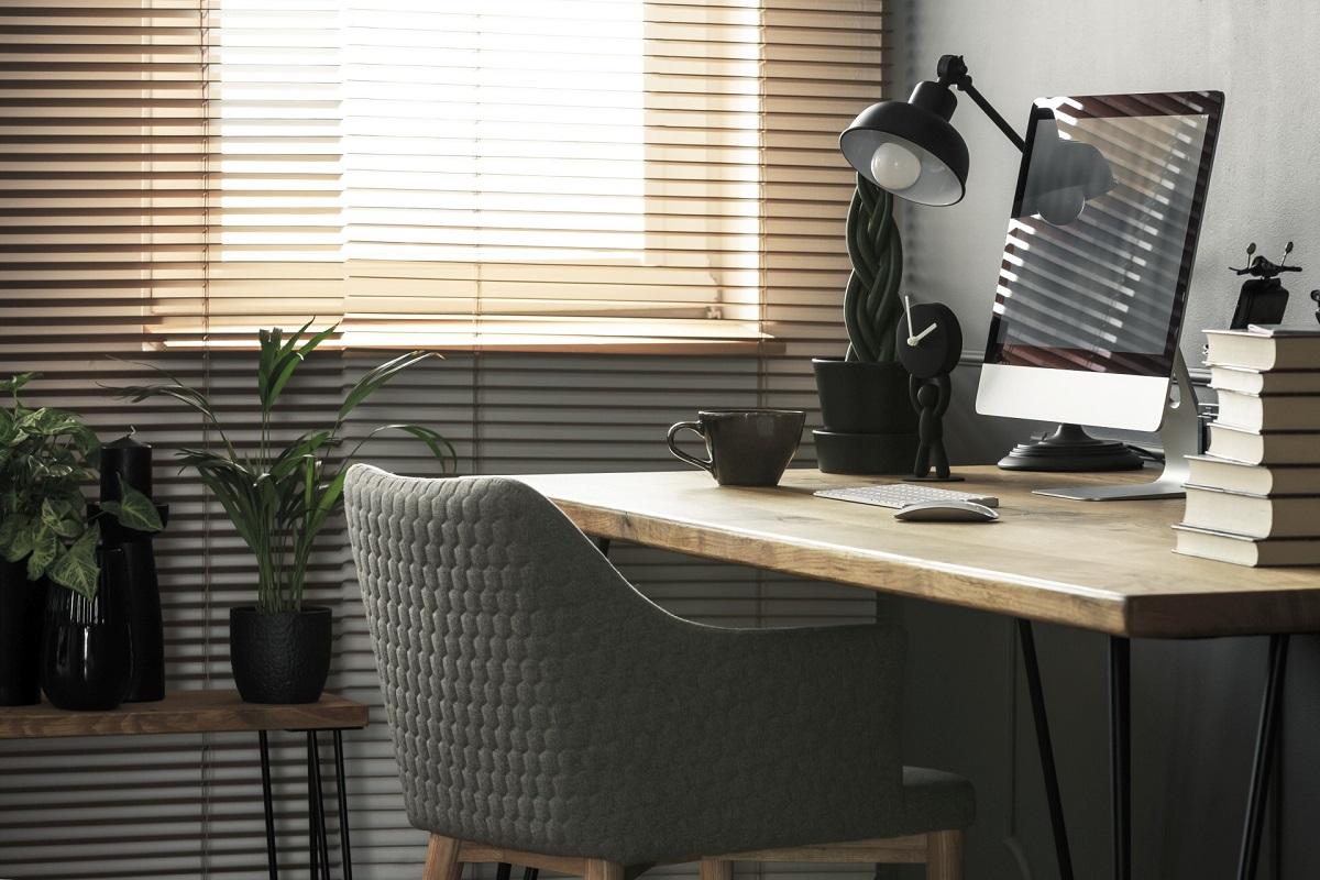 Jakie osłony okienne do biura wybrać?