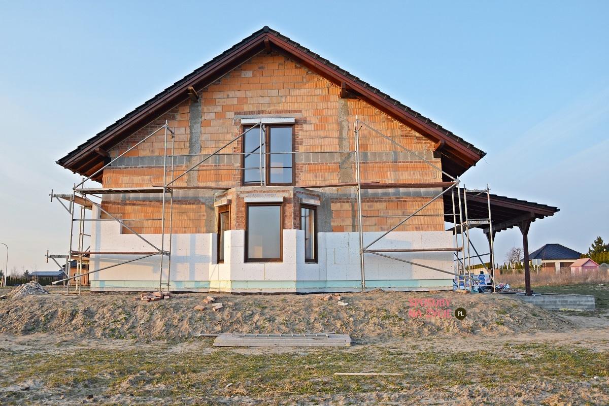 Budowa domu krok po kroku: docieplenie elewacji