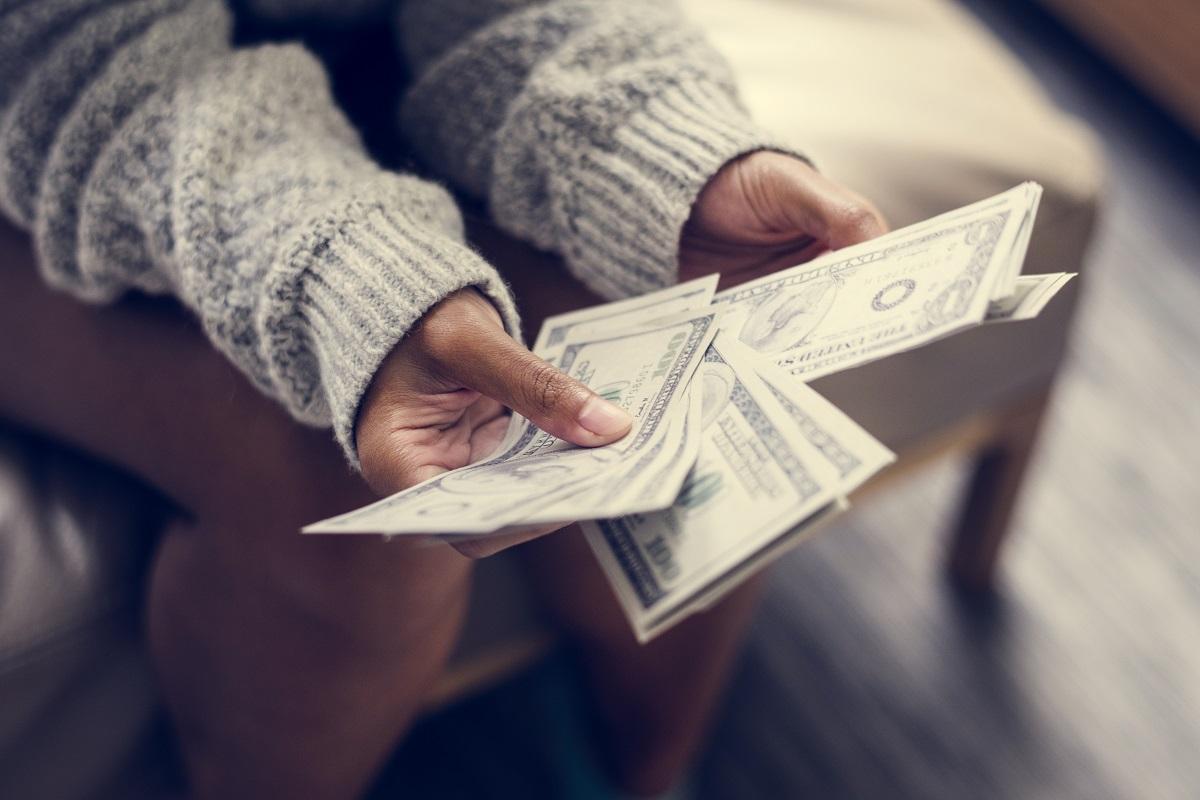 Jak przyciągać pieniądze do swojego życia? Sekrety, o których większość ludzi nie ma pojęcia!