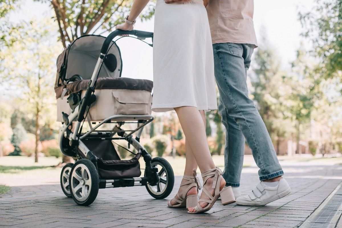 Na co zwrócić uwagę podczas zakupu wózka dla dziecka? Blog parentingowy sposobynazycie.pl