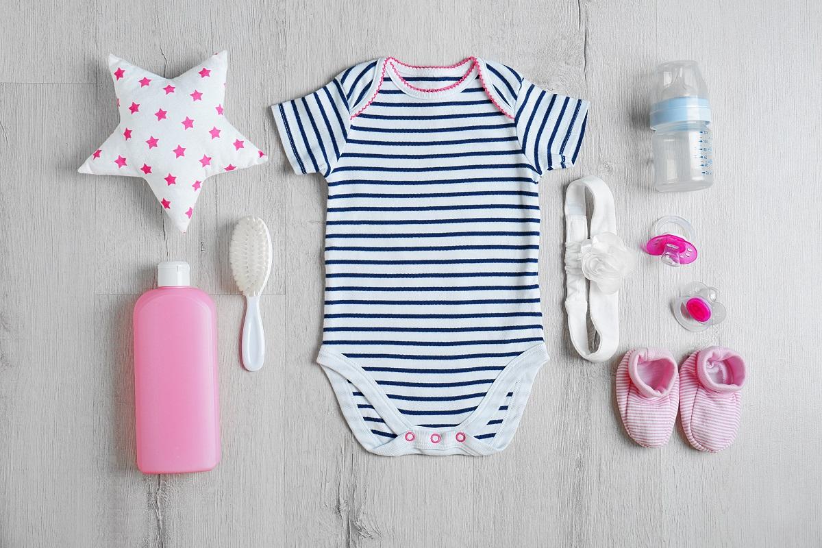 Wyprawka dla noworodka – absolutny niezbędnik przyszłej mamy