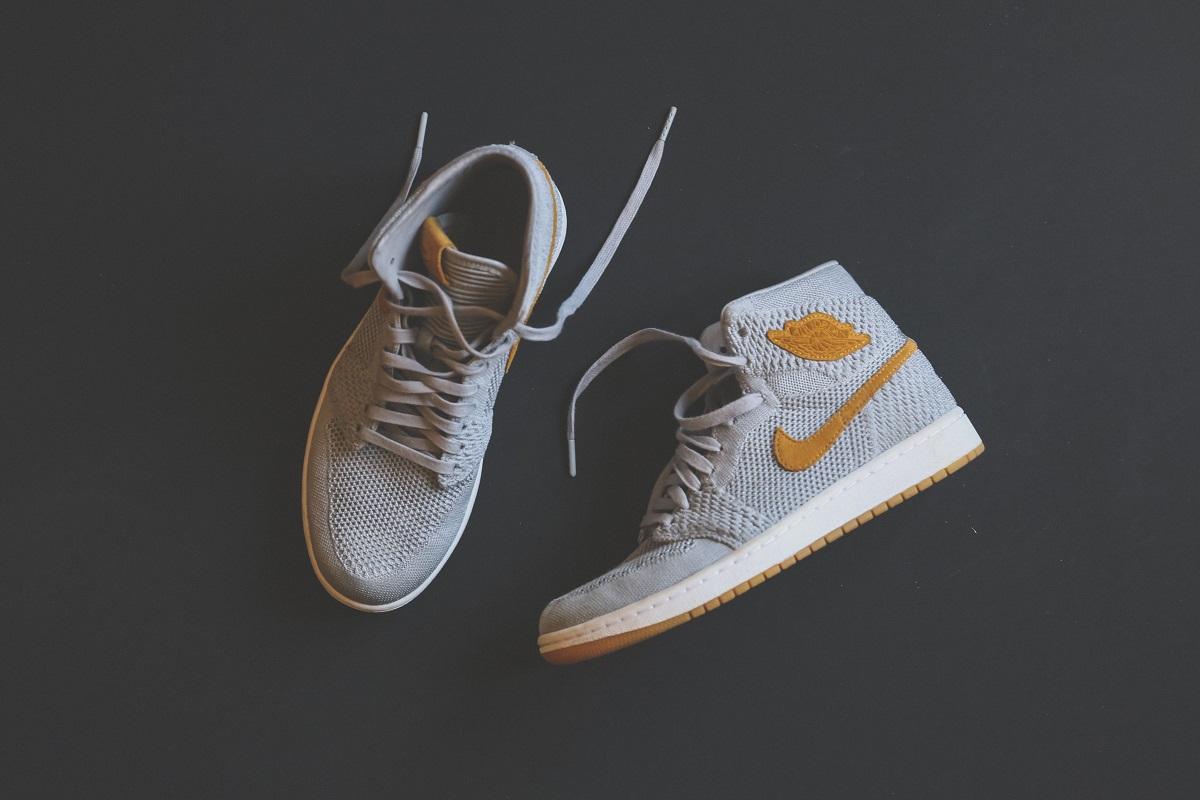 Z czym nosić męskie sneakersy? blog lifestylowy o modzie męskiej sposobynazycie.pl