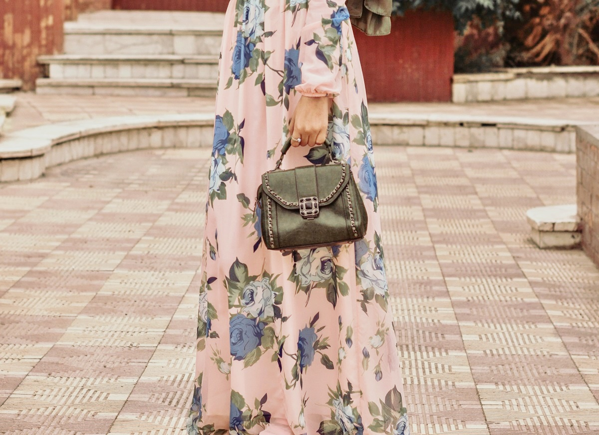 Jak dobrać idealną torebkę do letnich stylizacji?