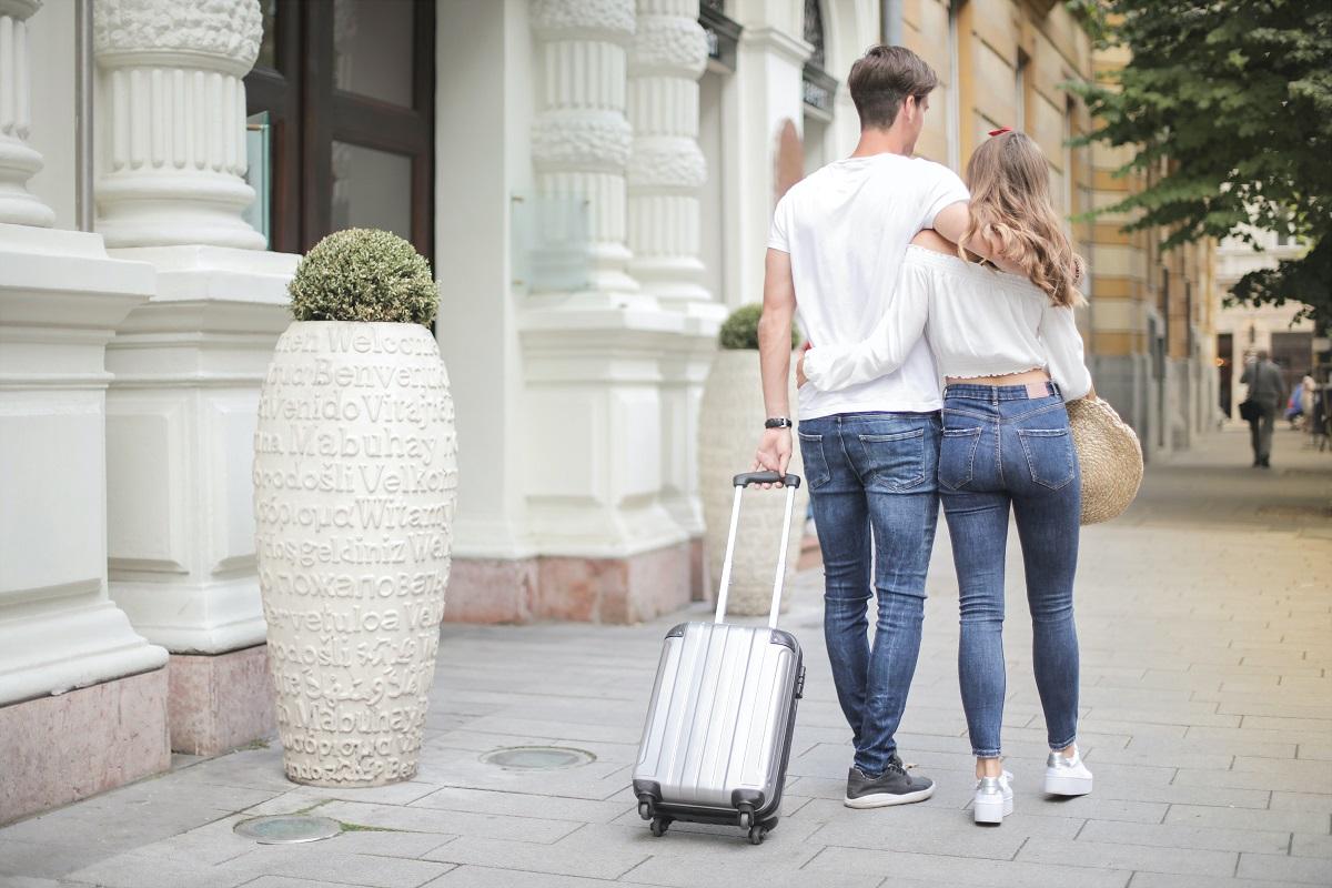 Jak spakować się na wakacyjny wyjazd od A do Z?