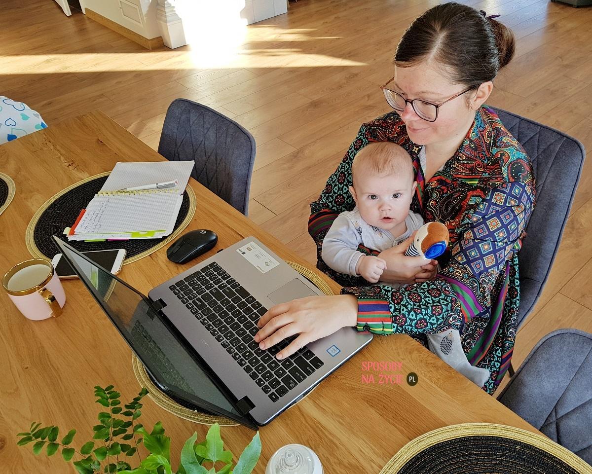 Codzienna rutyna pracującej mamy z 4-miesięcznym dzieckiem