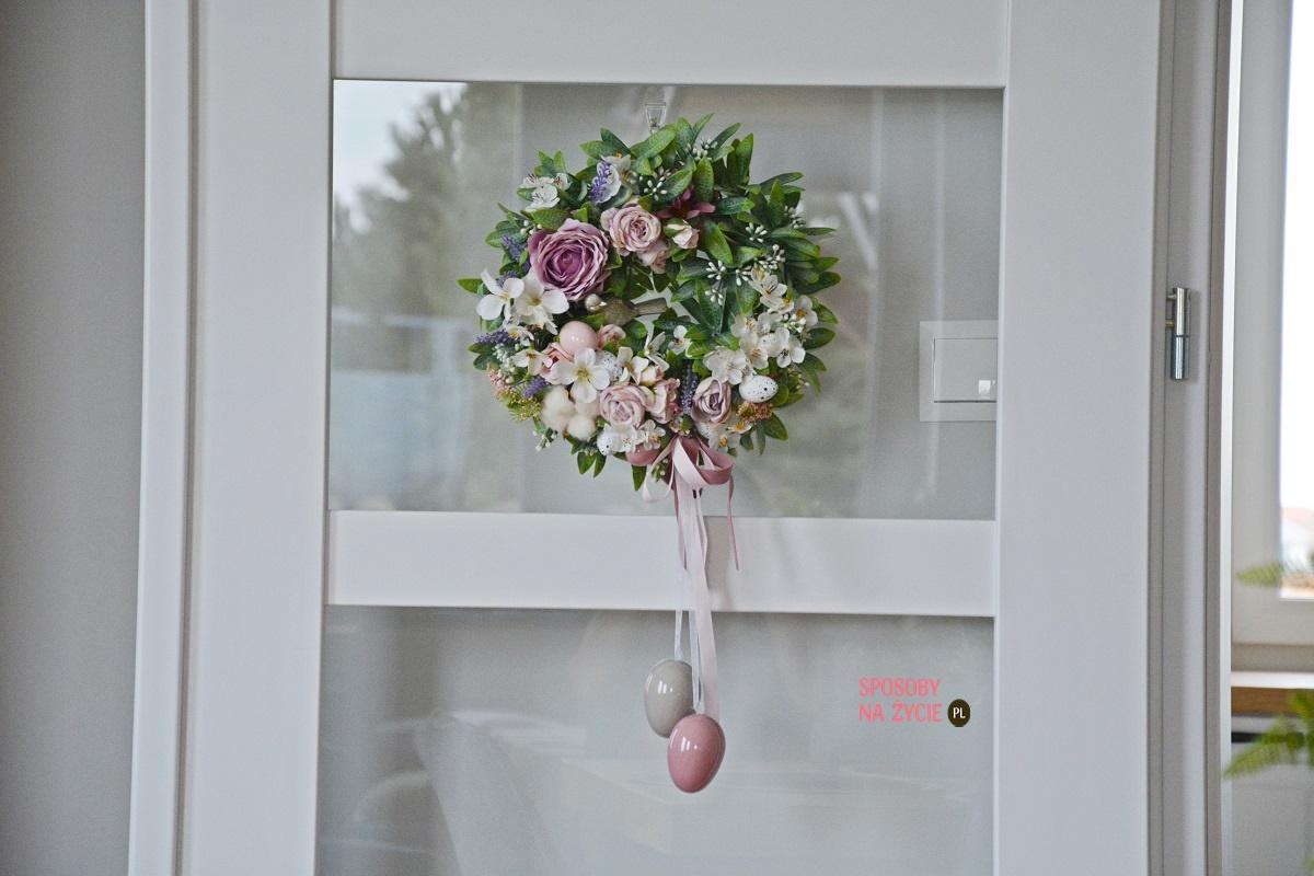 wielkanocny wianek na drzwi blog o dekorowaniu wnętrz
