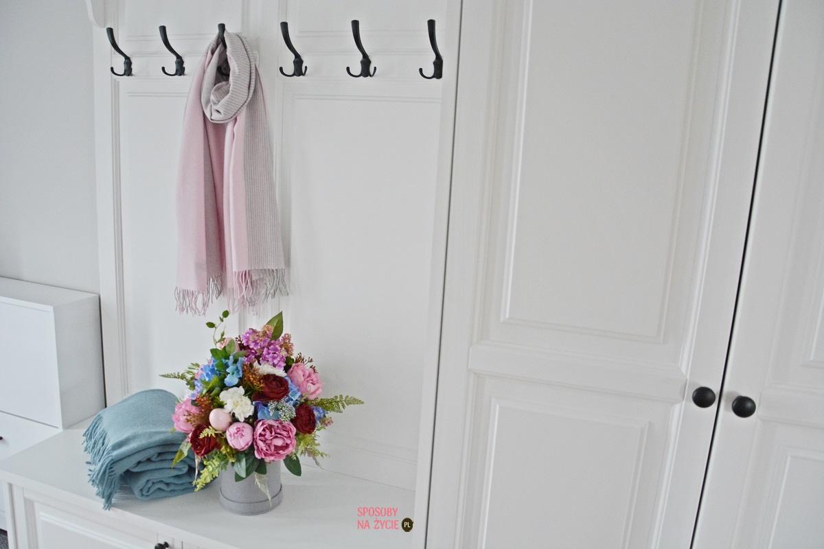 Szeroki szal z wełny merino w kolorze różowym blog modowy SposobyNaZycie.pl